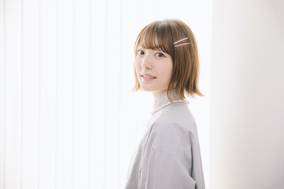 声優・花澤香菜の宣材写真